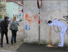 Konfetti-speiende-StreetArt-Figur
